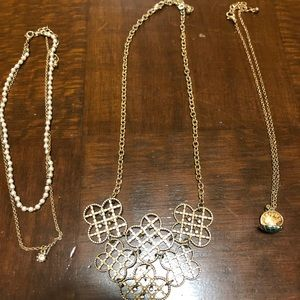 Various gold necklaces